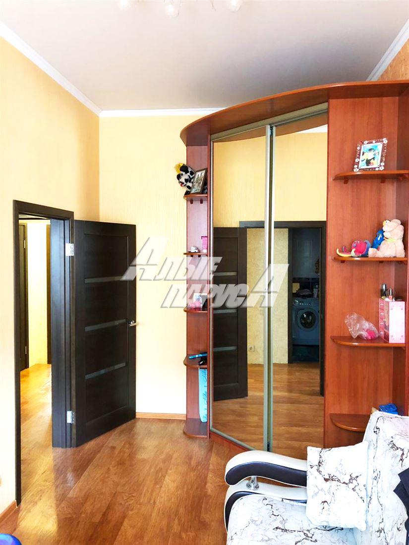 Квартира на продажу по адресу Россия, Омская область, Омск, ул Осоавиахимовская, д. 187