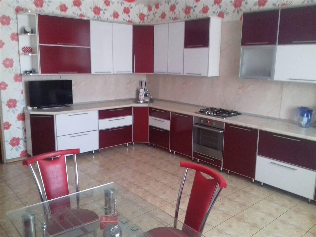 id в имлс 1288117 продается просторный, 2х этажный жилой дом, частично с мебелью. дом в ...