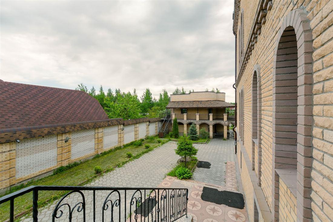 Дом в аренду по адресу Россия, Санкт-Петербург, Санкт-Петербург, Санкт-Петербургское шоссе