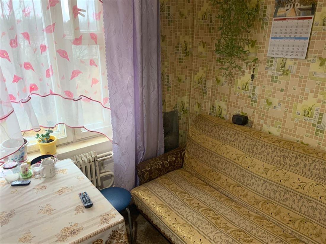 Квартира на продажу по адресу Россия, Ленинградская область, Лужский, Красный Маяк, д. 16