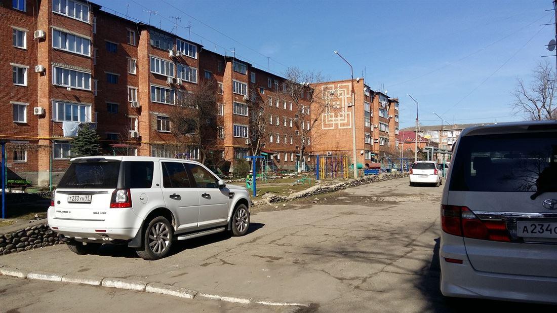 Квартира на продажу по адресу Россия, Краснодарский край, Лабинский, Лабинск, ул Мира, д. 139