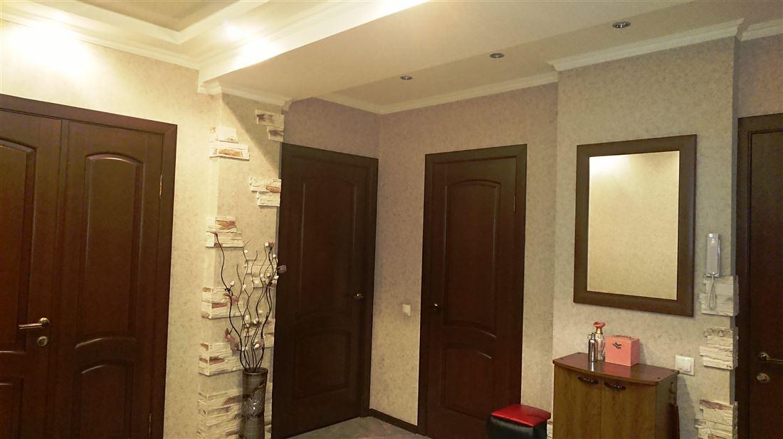 Квартира на продажу по адресу Россия, Омская область, Омск, ул Перелета, д. 24