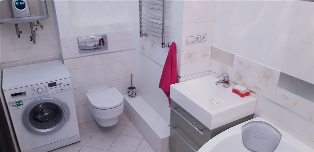 Квартира на продажу по адресу Россия, Иркутская область, Иркутск, ул Советская, д. 126
